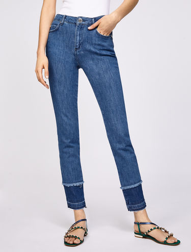 Jean coupe skinny avec ourlet