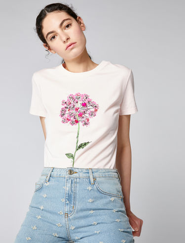 T-shirt with floral or star detail