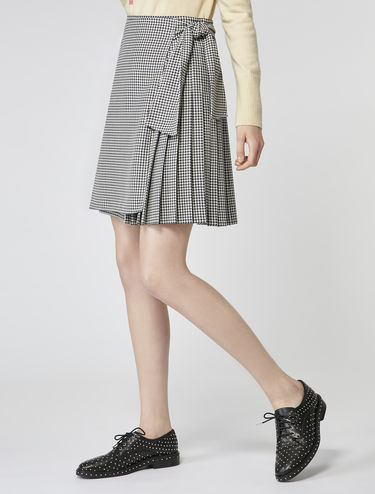 Kilt skirt with side-tie