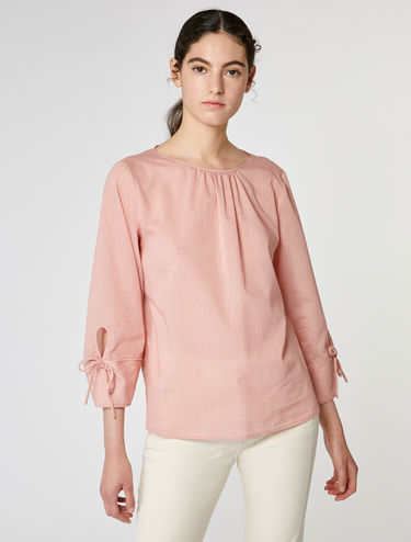 Blouse with blouson sleeves