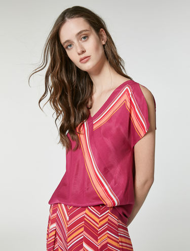 Blouse with foulard stripe trim