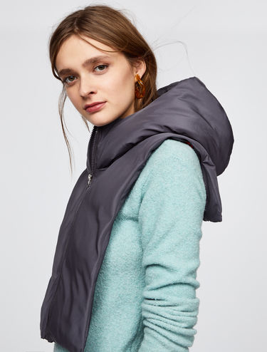 Cropped padded gilet with hood