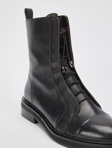 Nappa leather boots with elastic laces