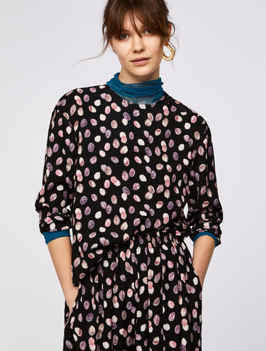 Printed blouse with shoulder buttons