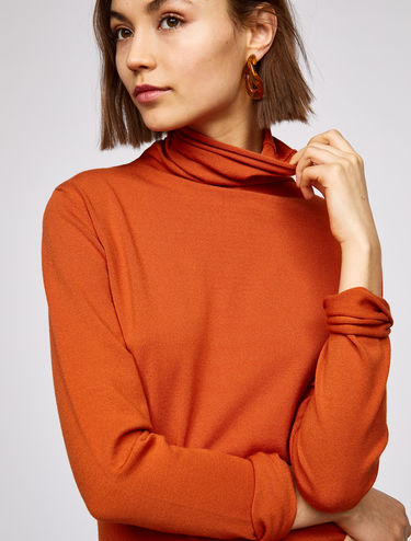 Slim-fit high-neck jumper
