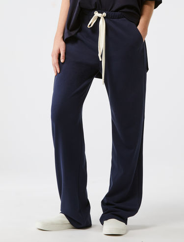 Fleece joggers with piped edging