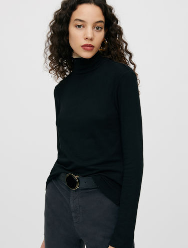 Slim-fit top with bow
