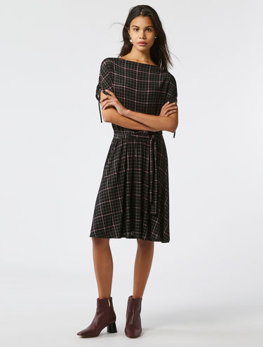 Drawstring sleeve flared jersey dress