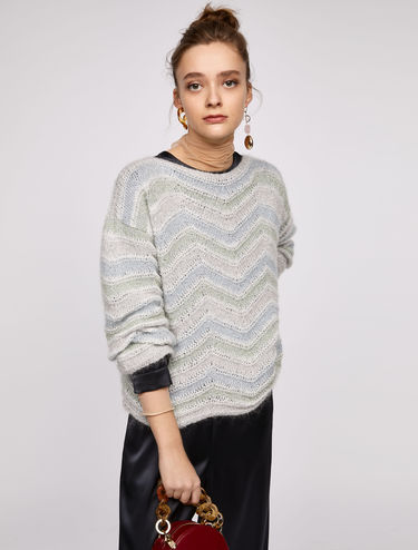 3D chevron jumper with lamé threads