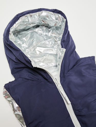 Reversible padded collar with hood