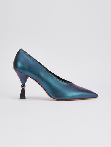 Iridescent pumps with hourglass heel