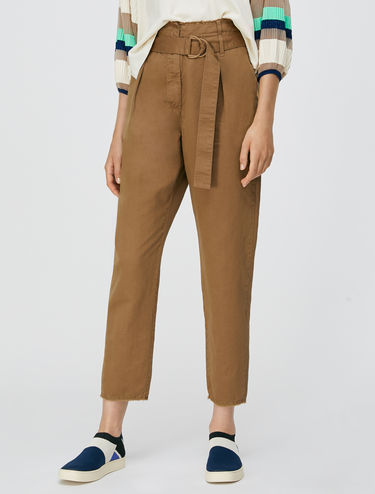 Carrot pants in gabardine di cotone
