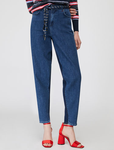 Carrot pants di denim