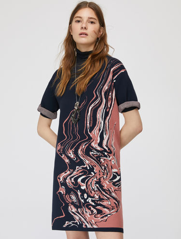 Knit dress with jacquard waves