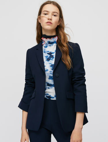 Shift-line single-button blazer