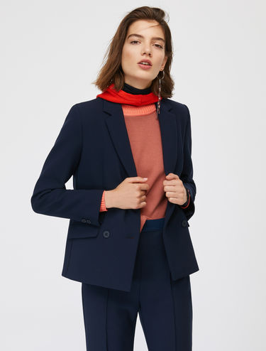 Boxy line double-breasted blazer