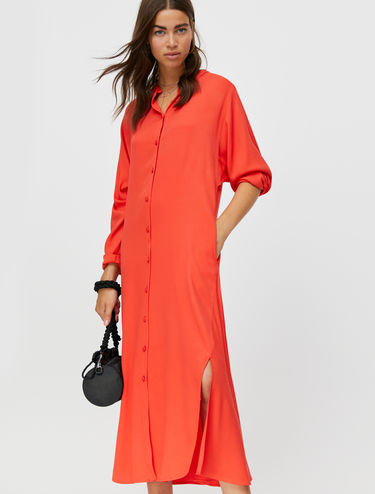 Flowing shirt dress with slits