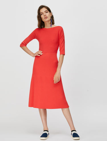Knit dress with mixed ribbing