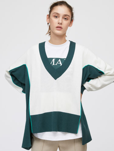 Oversized jumper with neon trim