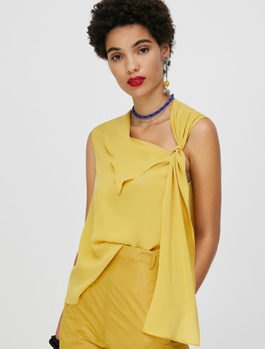 Asymmetrical top in pure silk