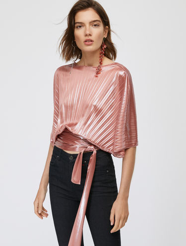 Iridescent crossover top