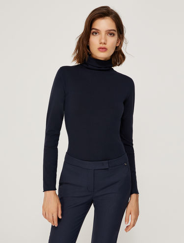 Stretch turtle-neck sweater