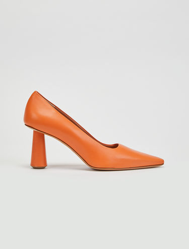 Column Heel Pumps