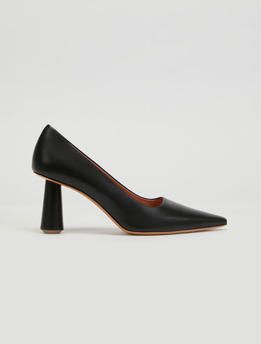 Column heel court shoes