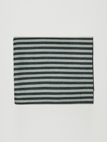 Two-tone striped scarf
