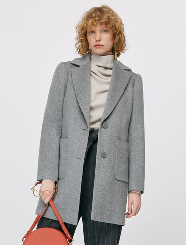 Coat in pure beaver wool