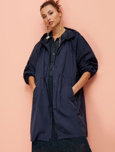 Lightweight waterproof parka