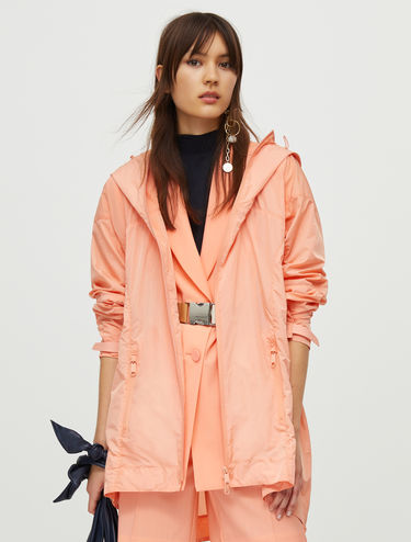 Lightweight nylon raincoat