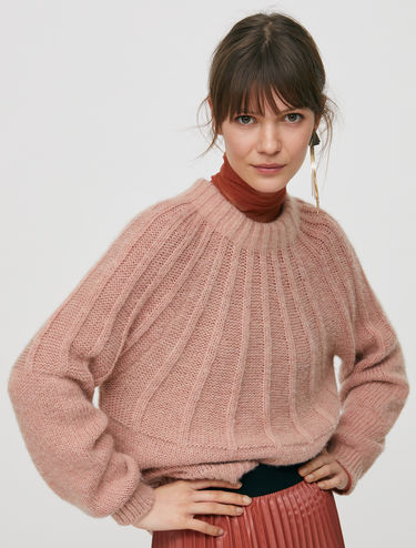 Ribbed jumper with bow