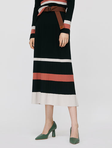 Striped knit skirt with ribbing
