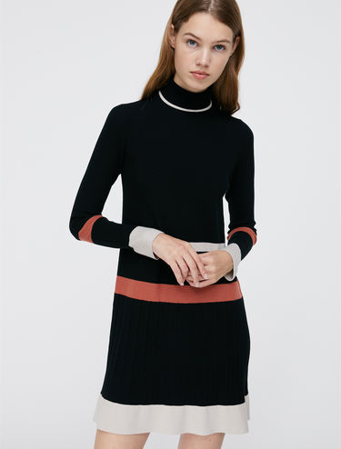 Knit dress with ribbing