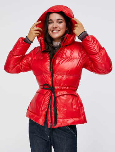 Padded jacket with drawstring