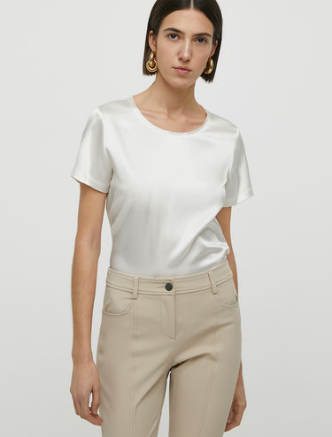 T-shirt in raso di seta stretch