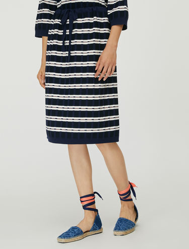 3D knit skirt