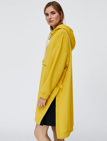 2-in-1 poncho and sweatshirt