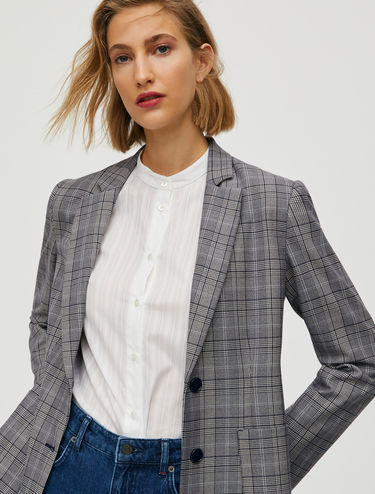 Slim, two-button blazer