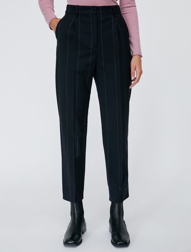Ankle-length wool trousers