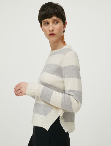 Short wool and cashmere jumper
