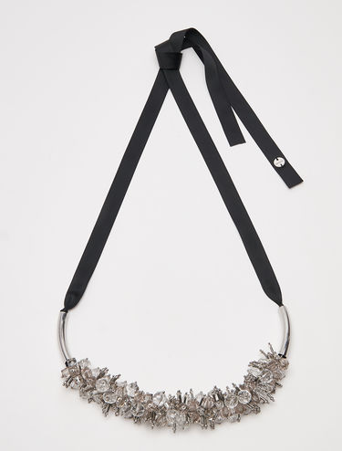 Necklace with bead cluster