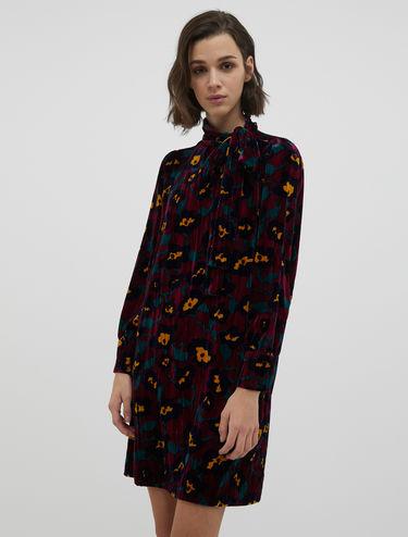 3D velvet dress