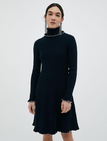 Knit dress with ruffles